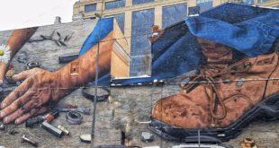 Rise up in the dirt - social topics on Kiev murals