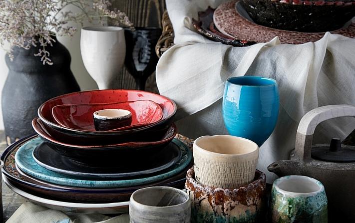 Ceramics market in Kiev. Vsi Svoi