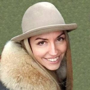 Diana Borysenko<- Guide in Lviv